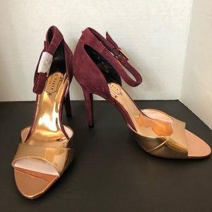 NEW. Ted Baker heels 👠